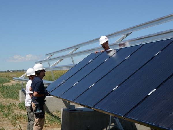 Installing the solar modules