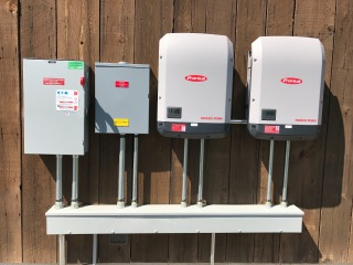 Fronius Primo 10 kW inverters and electrical distribution equipment.